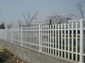 果園綠色防護鐵絲圍欄網A魚臺果園綠色防護鐵絲圍欄網生產廠家